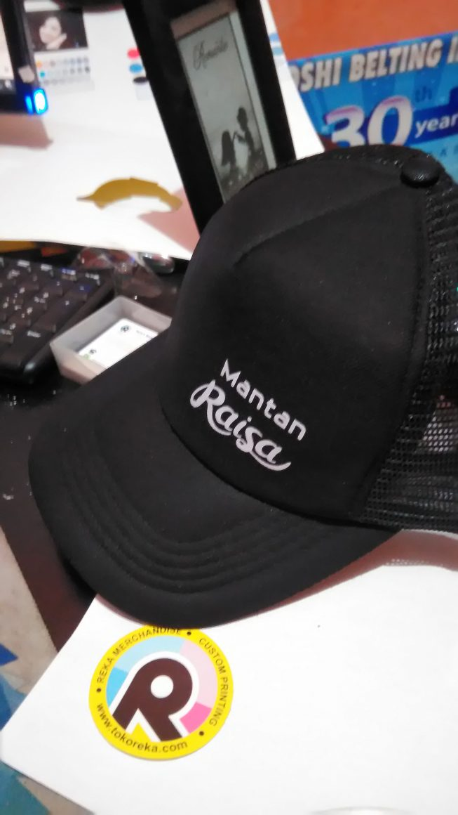 Topi Mantan Raisa